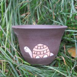Květináček s želvou